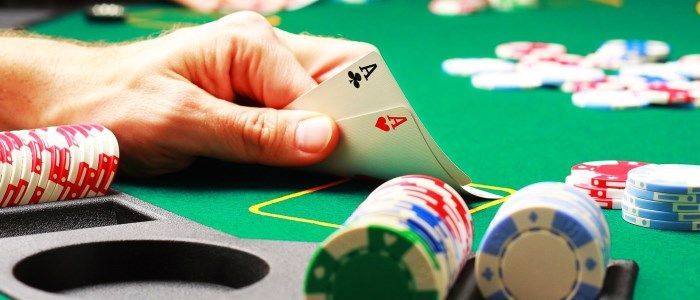 Top Three Reasons Why You Should Play In Virtual Casinos