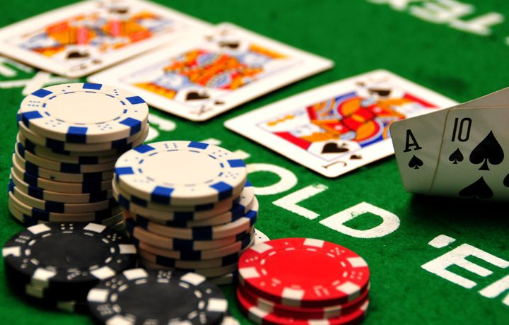 How to Play Casino Games Effortlessly At Home