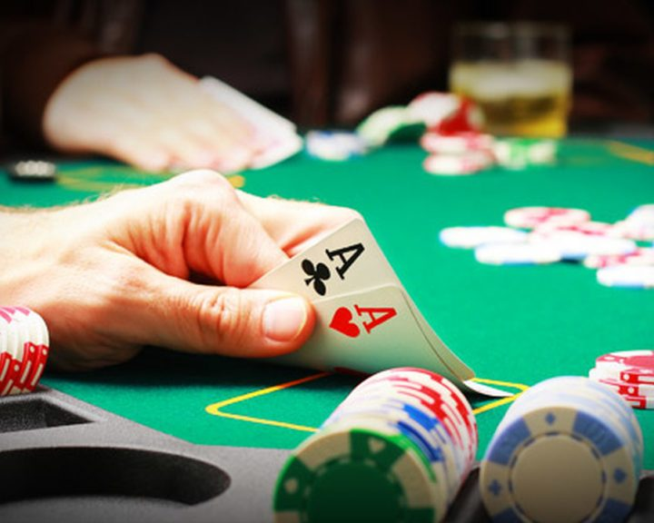 Play an Online Poker Card Game