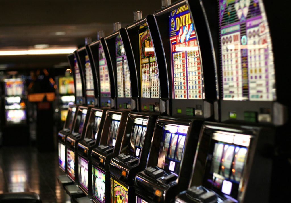 Get strong betting experience on free slots